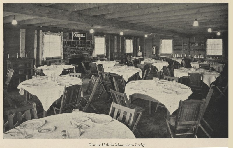 Dining Room at Moosehorn Lodge
